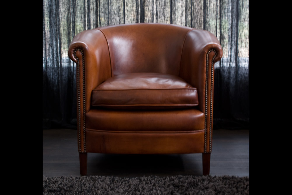 ... English Club Chair In Thick Sheep Leather ...